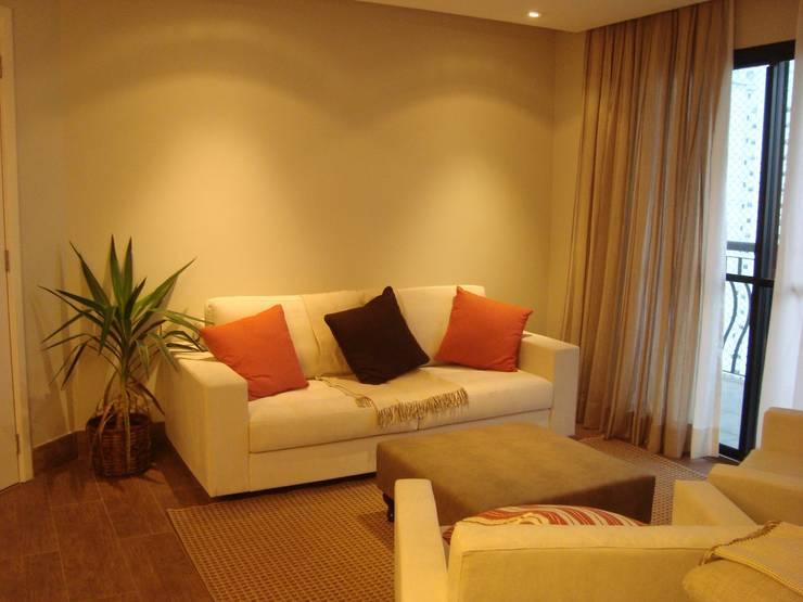 Sala, Residência GM: Salas de estar  por HV | Arquitetos Associados