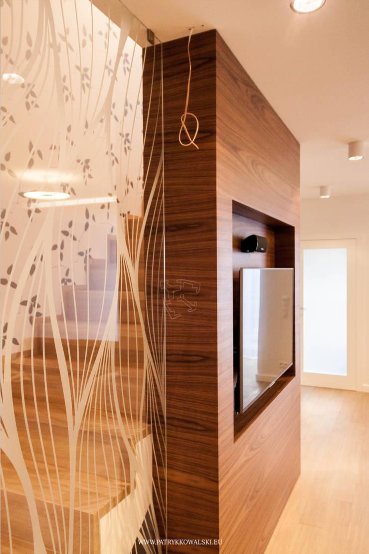 ul. Figara: styl , w kategorii Salon zaprojektowany przez Patryk Kowalski Architektura i projektowanie wnętrz