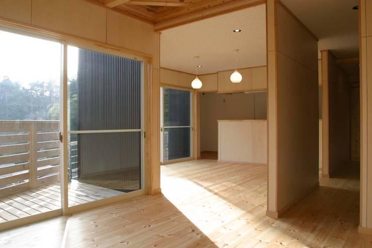 神奈川県鎌倉市 大町の家: Gen Design Factoryが手掛けたダイニングです。,