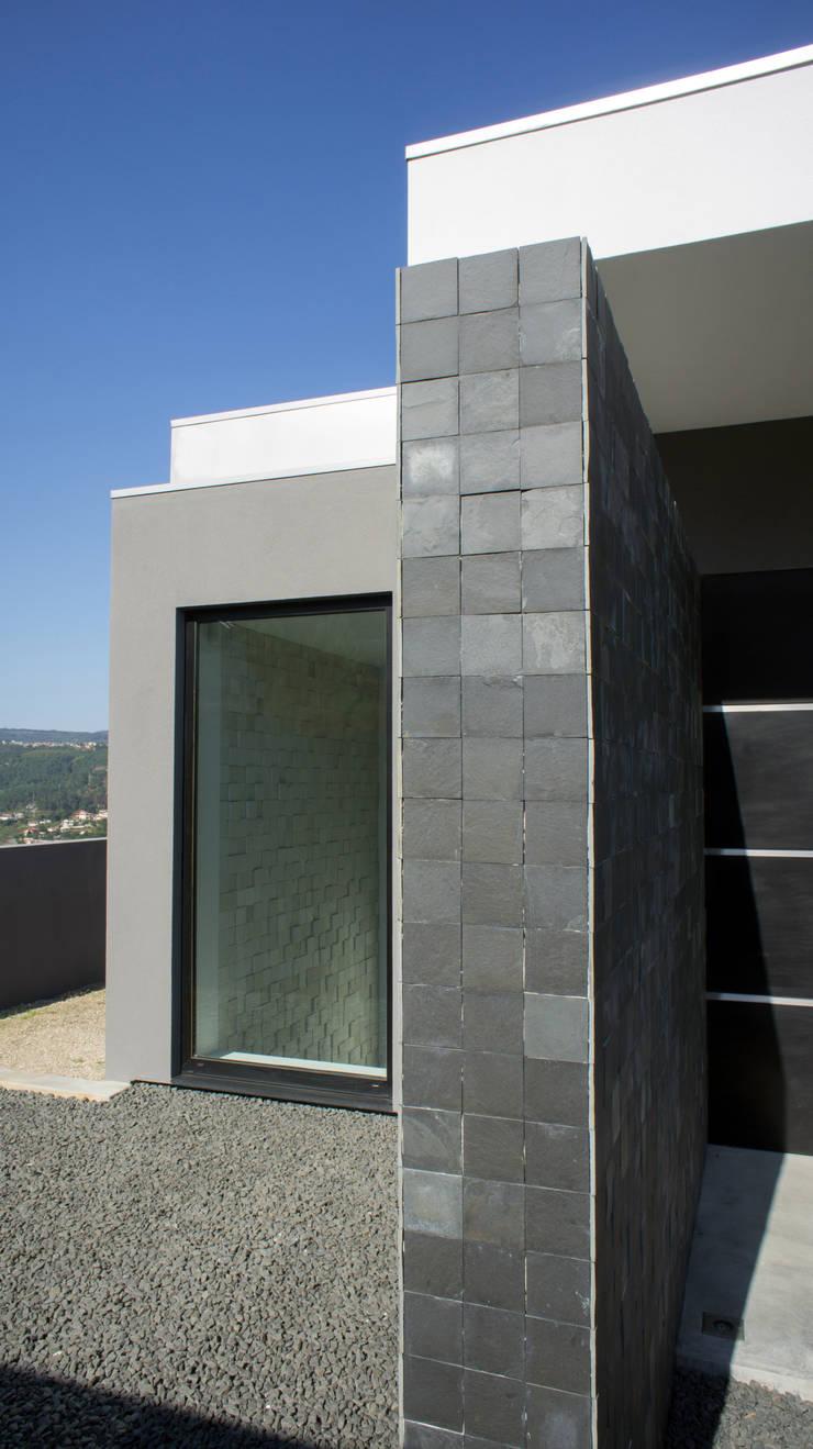 Exterior: Casas  por Miguel Zarcos Palma