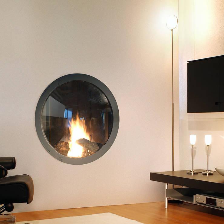 Focus Design Kamine: moderne Wohnzimmer von Chiemsee Öfen