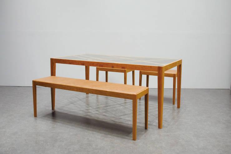 Slash table4: iei studioが手掛けた多目的室です。