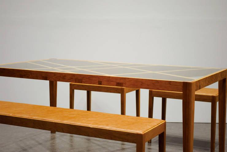 Slash table3: iei studioが手掛けた多目的室です。