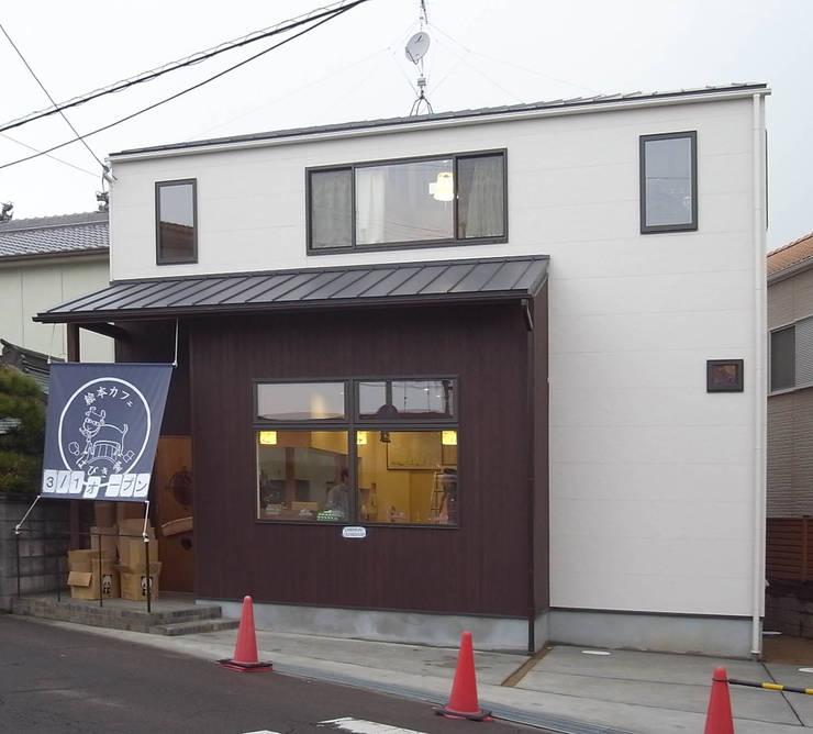 絵本カフェ  はびき堂: 株式会社 atelier waonが手掛けた家です。