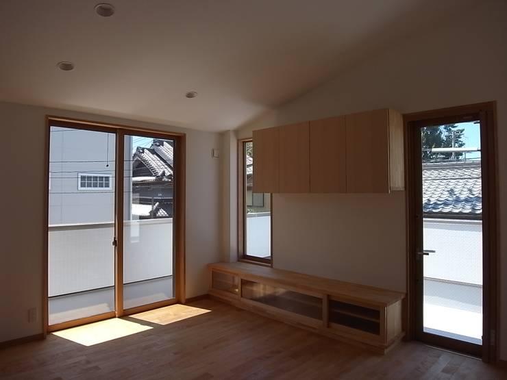 喜連の家 Ⅰ: 株式会社 atelier waonが手掛けたリビングです。,