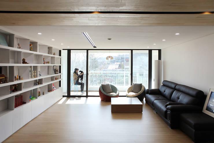 Hongeun-dong apartment unit remodeling: designband YOAP의  거실