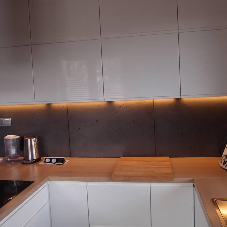 Dom jednorodzinny: styl , w kategorii Kuchnia zaprojektowany przez studio bonito