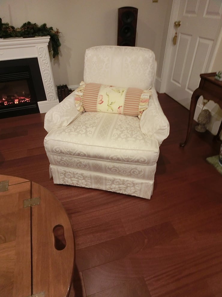 1 seater sofa: (株)工房スタンリーズが手掛けたリビングルームです。