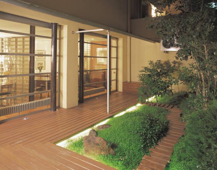 Teras oleh Daifuku Designs, Asia