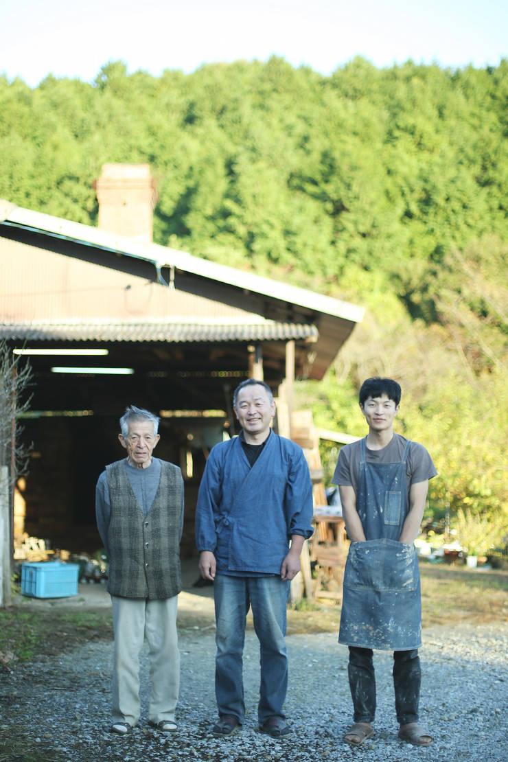 窯焚き: 庚申窯-Koshin-kiln-が手掛けたキッチンです。,