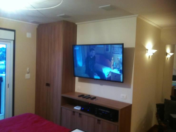 Apartamento Morumbi - SP - Suite: Quartos  por Audiohome