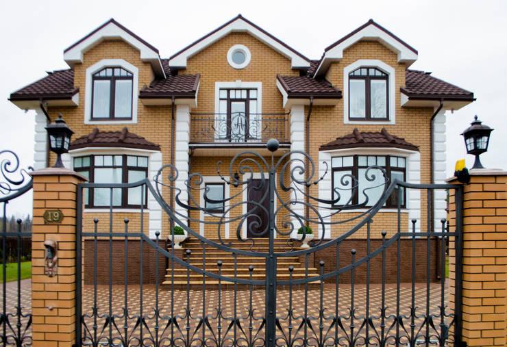 Дом в Ленинградской области:  в . Автор – Студия интерьерного дизайна НИША