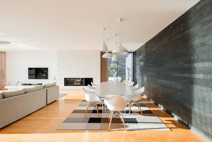 Comedores de estilo  por Raulino Silva Arquitecto Unip. Lda