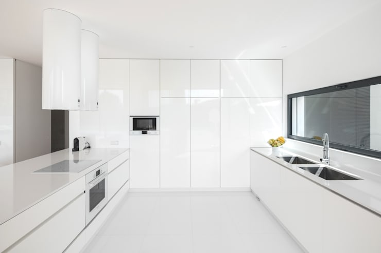 minimalistische Keuken door Raulino Silva Arquitecto Unip. Lda