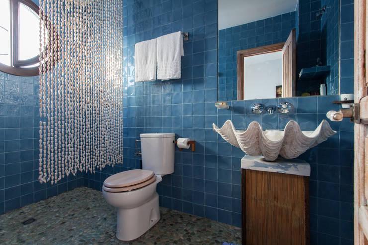 Baños de estilo  por Pablo Cousinou