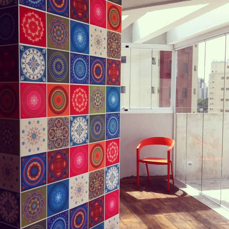 Cobertura Duplex Santana 290m²: Paredes  por Fabiana Rosello Arquitetura e Interiores