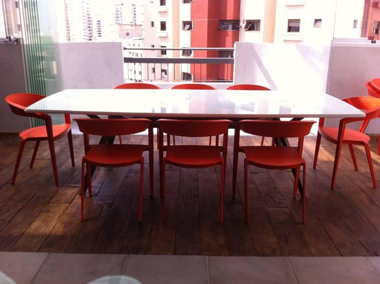 Cobertura Duplex Santana 290m²: Salas de jantar  por Fabiana Rosello Arquitetura e Interiores