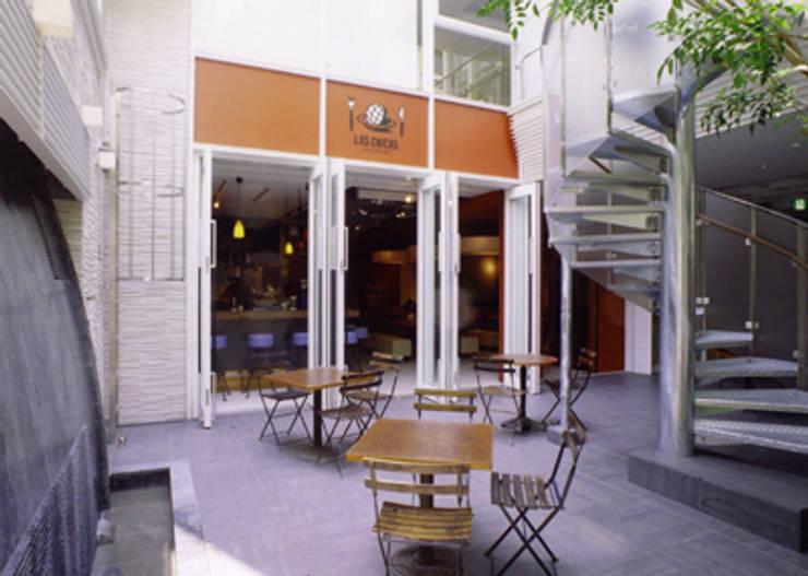 Restaurant01: SMART413/末永寛人が手掛けたレストランです。