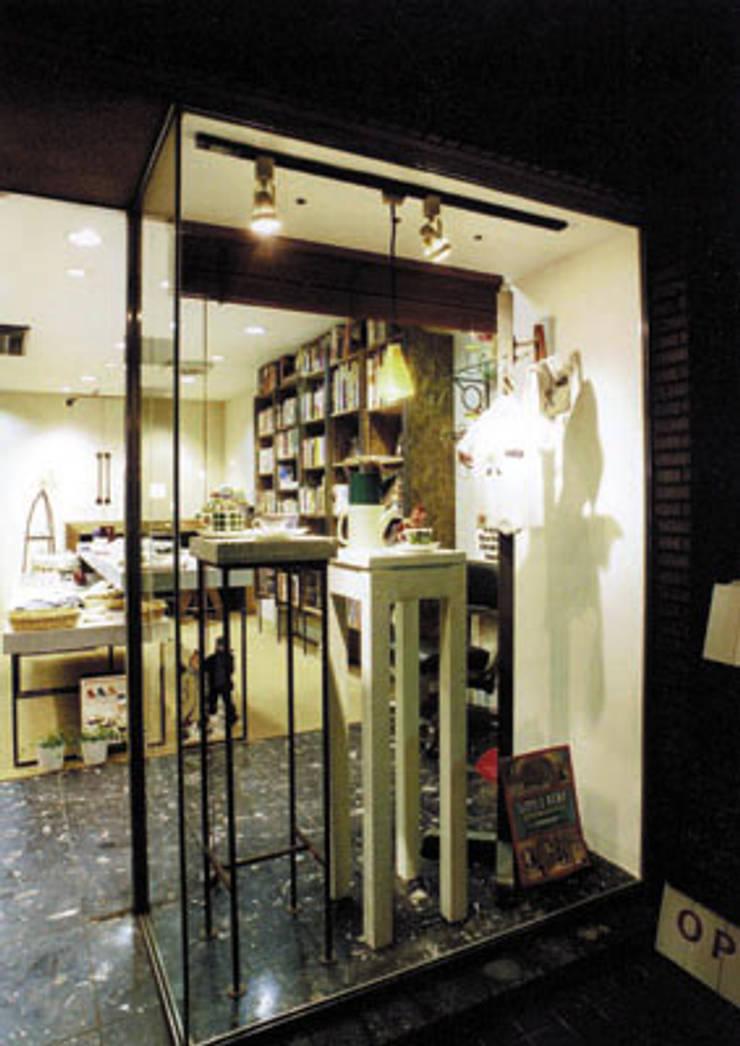 บ้านและที่อยู่อาศัย โดย SMART413/末永寛人, ผสมผสาน