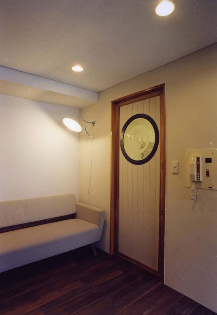 住宅01: SMART413/末永寛人が手掛けた窓です。