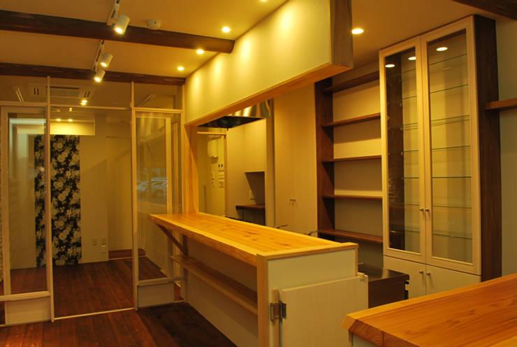 COCO*M: 西川真悟建築設計が手掛けた和室です。