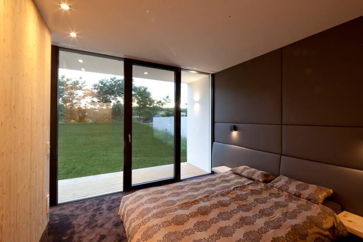 Projekty,  Sypialnia zaprojektowane przez PASCHINGER ARCHITEKTEN ZT KG