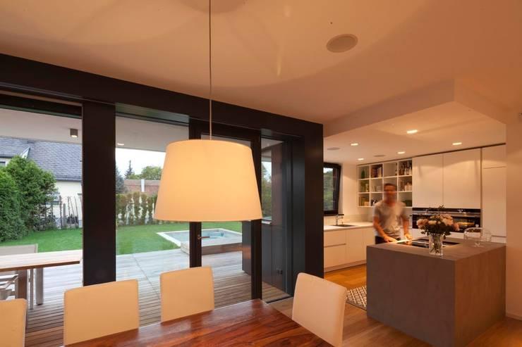 Projekty,  Kuchnia zaprojektowane przez PASCHINGER ARCHITEKTEN ZT KG