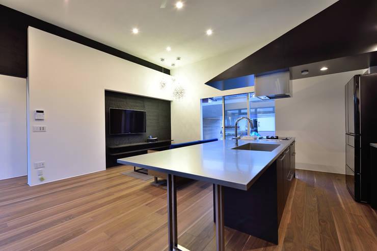 Cocinas de estilo ecléctico de Egawa Architectural Studio Ecléctico