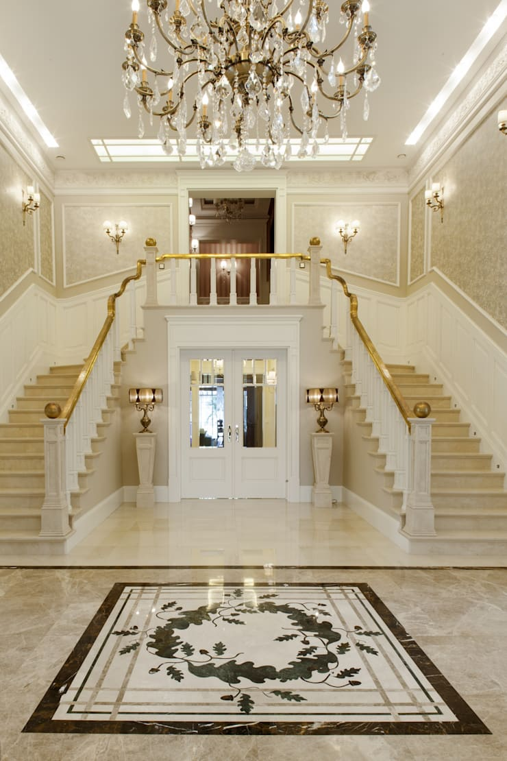 Classic style corridor, hallway and stairs by Intelidom Group Sp. z o.o. Classic