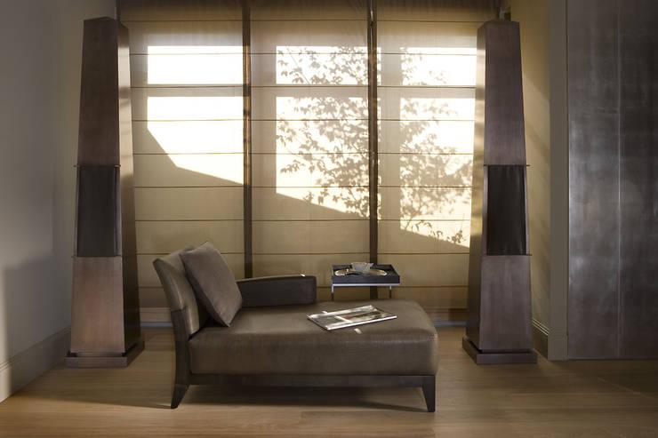 Część wypoczynkowa: styl , w kategorii Salon zaprojektowany przez Intelidom Group Sp. z o.o.,
