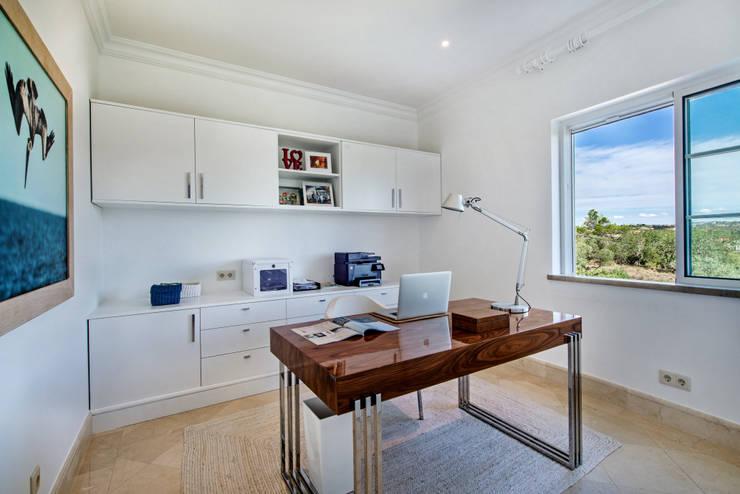 Gabinete  por Interdesign Interiores