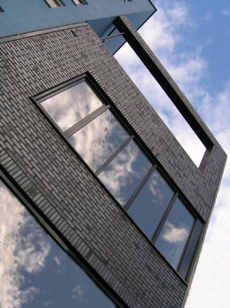 Detail architectuur moderne stadsvilla Amsterdam:  Huizen door Villa Delphia
