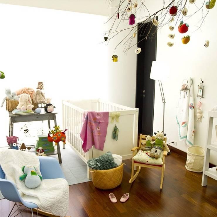 Decoración de Interiores: Habitaciones infantiles de estilo  por solrodriguez75