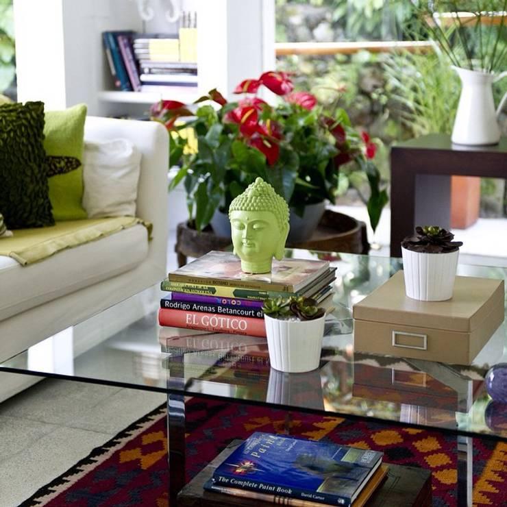 Decoración de Interiores: Salas de estilo  por solrodriguez75