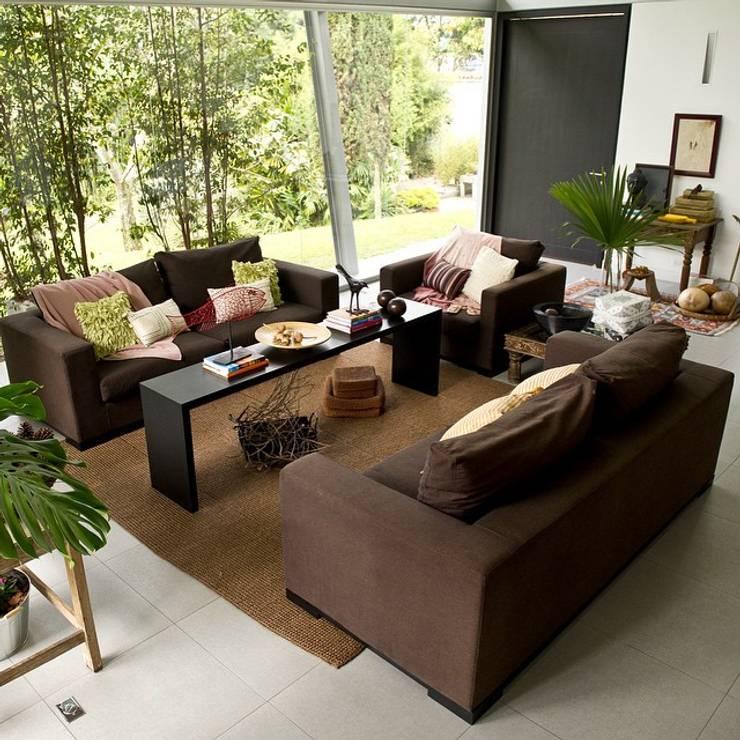 Decoración de Interiores: Salas de estilo moderno por solrodriguez75