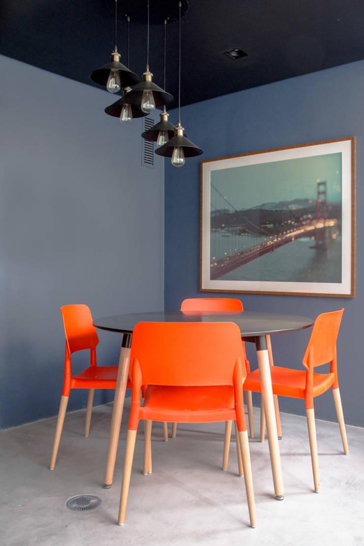 Decorado Maxhaus: Salas de jantar  por Two Design