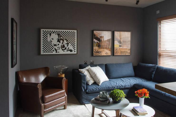 Decorado Maxhaus: Salas de estar  por Two Design
