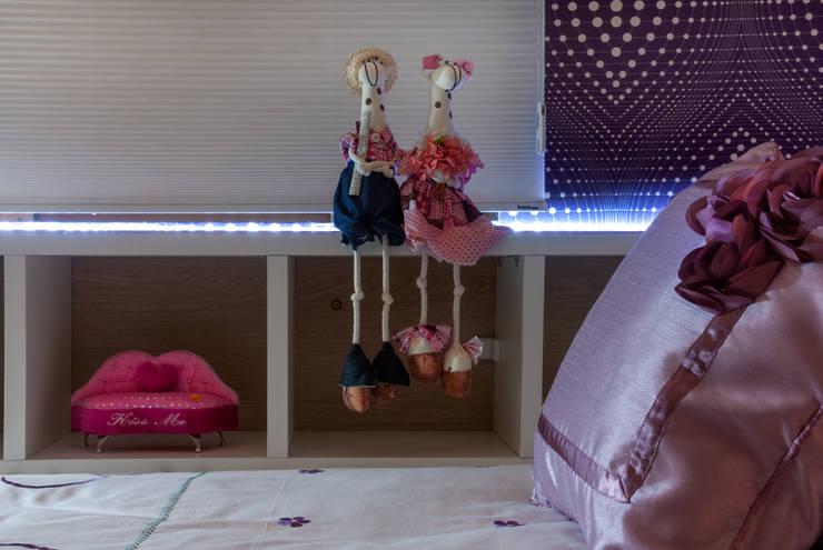 Quarto de Menina 2: Quarto de crianças  por Nilda Merici Interior Design