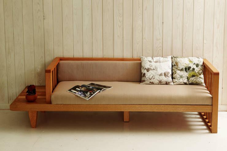 Moksori Furniture: 목소리의 현대 ,모던