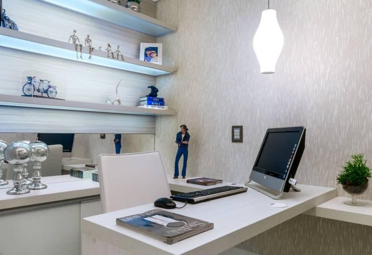 Home Office: Escritórios  por Nilda Merici Interior Design