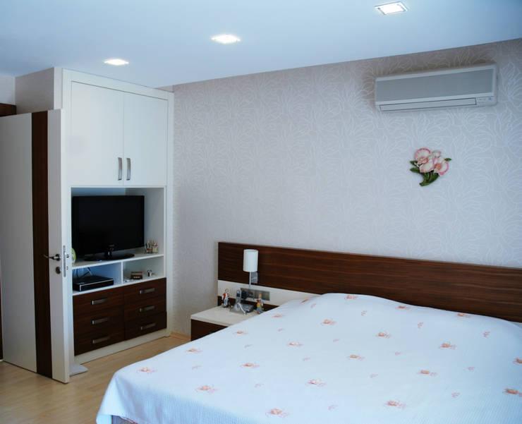 VRLWORKS – Sedat Karakuy Villası Antalya:  tarz Yatak Odası