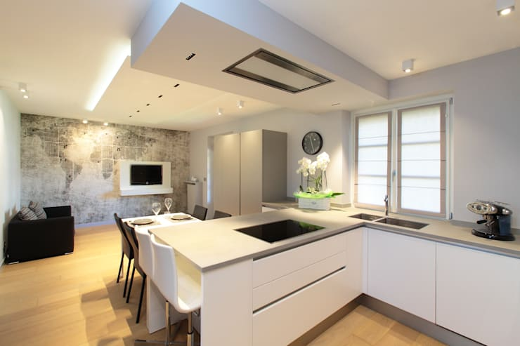modern Kitchen by architetto roberta castelli