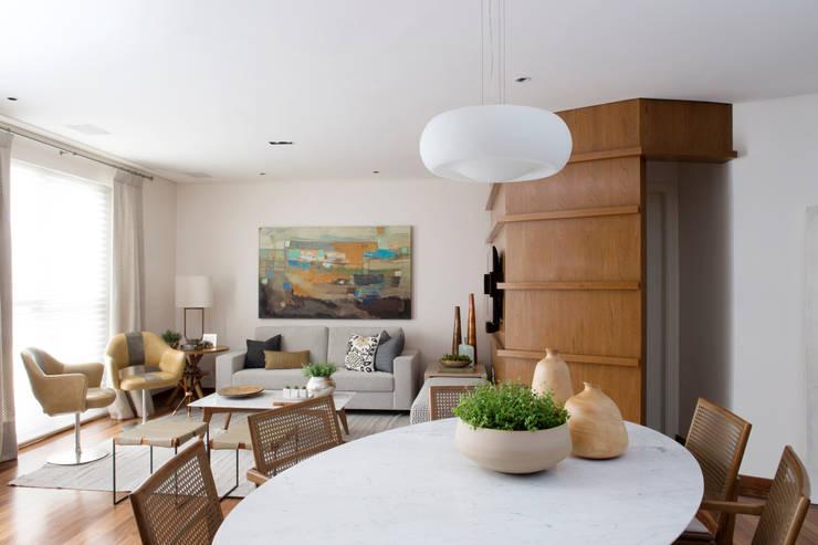 Sala de estar e jantar.:   por Lembi Arquitetura
