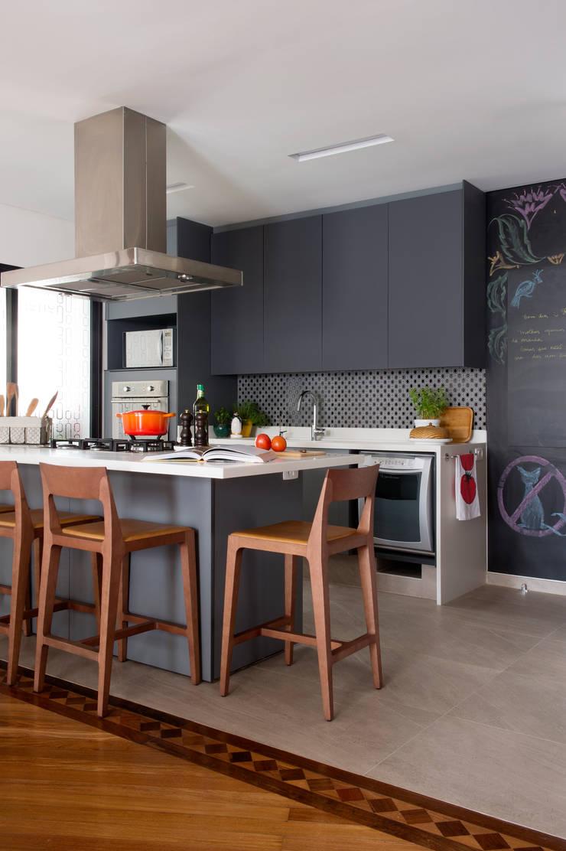 Cozinha 02.:   por Lembi Arquitetura