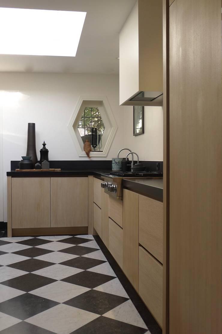 Keuken :  Keuken door Baden Baden Interior, Modern