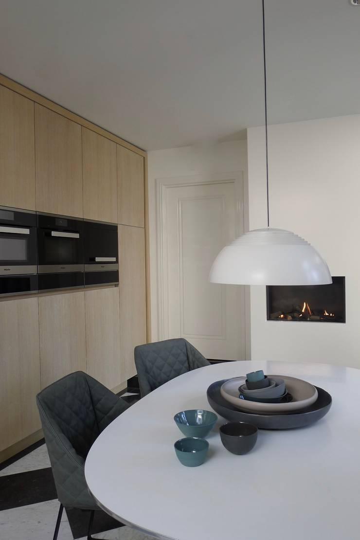 Keuken, The Netherlands:  Keuken door Baden Baden Interior, Modern