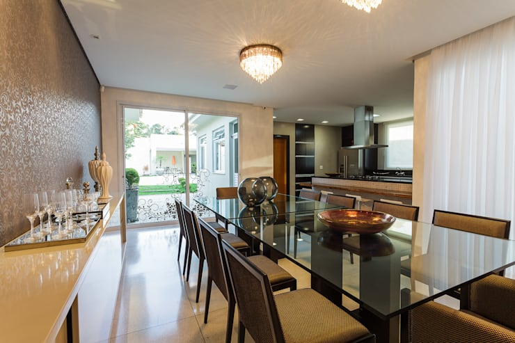 Sala de Jantar - Casa no Bandeirantes: Salas de jantar ecléticas por A3 Arquitetura e Interiores