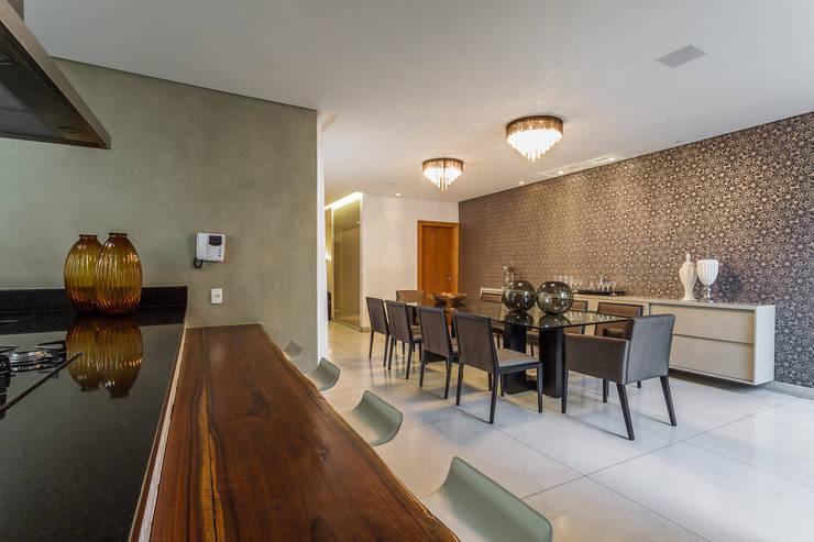 Sala de Jantar - Casa no Bandeirantes: Salas de jantar  por A3 Arquitetura e Interiores,
