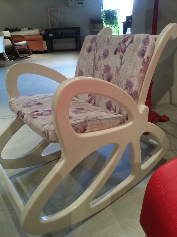 FOTOOYMA & ARMAN CONCEPT – sallanır sandalye &rocking chair: minimalist tarz , Minimalist