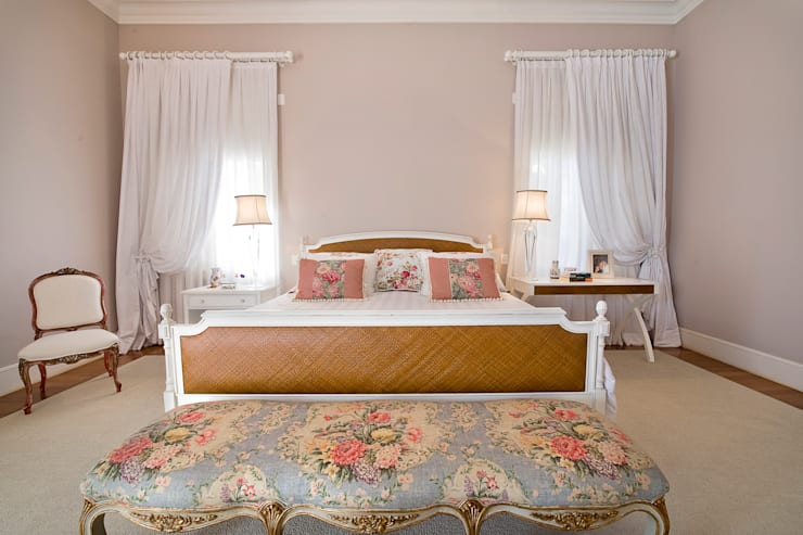 Camera da letto in stile  di Two Design